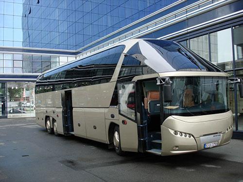 16_Neoplan-Stariliner-fata
